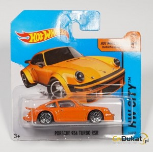 Hot Wheels 2015 r. Porsche 934 Turbo 74/250  CFH17